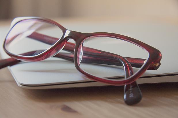 Ορισμένα συμπτώματα που εκδηλώνονται στα μάτια σας αφορούν την κατάσταση της υγείας σας.