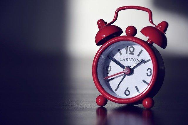 Αν κοιτάτε να υπολογίσετε πόσες ώρες είστε ξύπνιοι, θα αγχωθείτε ακόμα περισσότερο.