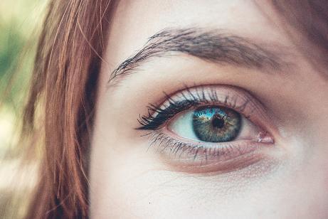 Ο αμφιβληστροειδής χιτώνας στο πίσω μέρος του ματιού είναι το μόνο σημείο του σώματος που μπορεί να δώσει στους γιατρούς μια σαφή εικόνα των αιμοφόρων αγγείων.