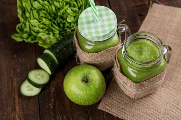 Όταν καταναλώνουμε άφθονα λαχανικά και φρούτα, το δέρμα μας λάμπει.
