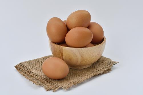 Τα αυγά είναι πλούσια σε βιταμίνη Β12.