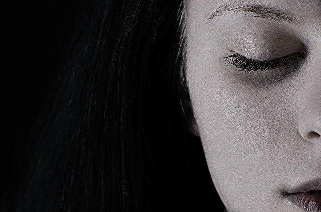 Η κατατονική κατάθλιψη είναι μια υποκατηγορία της κατάθλιψης.