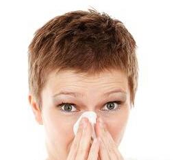 Τα φλέματα δυσκολεύουν την αναπνοή και κουράζουν τον λαιμό.