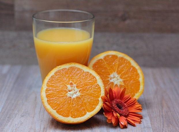 Ο χυμός πολλών πορτοκαλιών μαζί δίνει πολλά σάκχαρα στον οργανισμό.