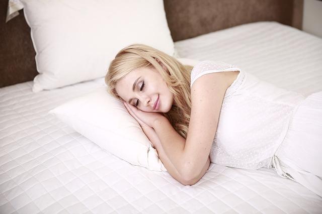 Όταν δεν ξεκουράζεστε αρκετά ή είστε κουρασμένοι, έχετε την τάση να τρώτε ζάχαρη.