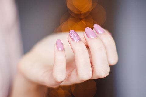 Τα νύχια λένε πολλά για την υγεία του οργανισμού.