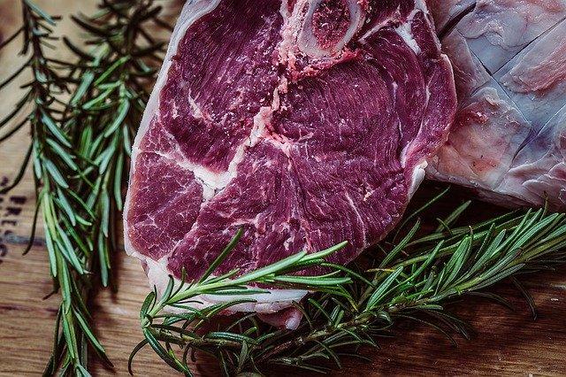 Ο αιμικός σίδηρος που βρίσκεται στο κρέας απορροφάται πολύ καλύτερα από τον μη αιμικό.