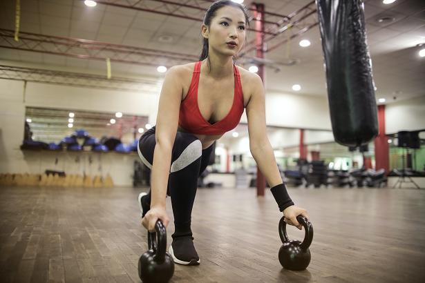 Το σύνδρομο εμφανίζεται σε γυναίκες που ασχολούνται με τον αθλητισμό σε υπερβολικό βαθμό.