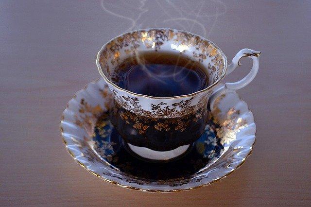Το πράσινο ή το μαύρο τσάι χαλαρώνουν τον οργανισμό.