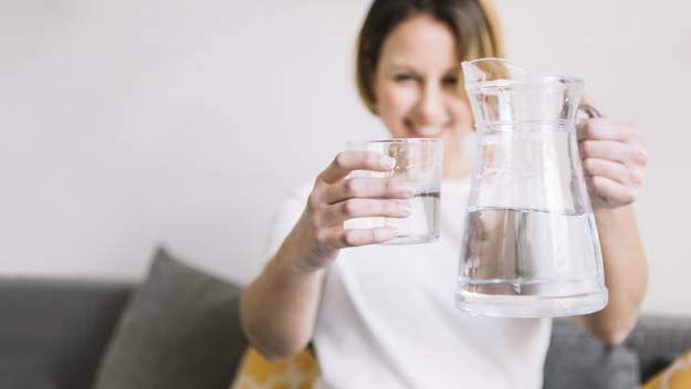 Στη μάχη κατά της κυτταρίτιδας ο πιο πολύτιμος σύμμαχος που έχετε είναι το νερό.