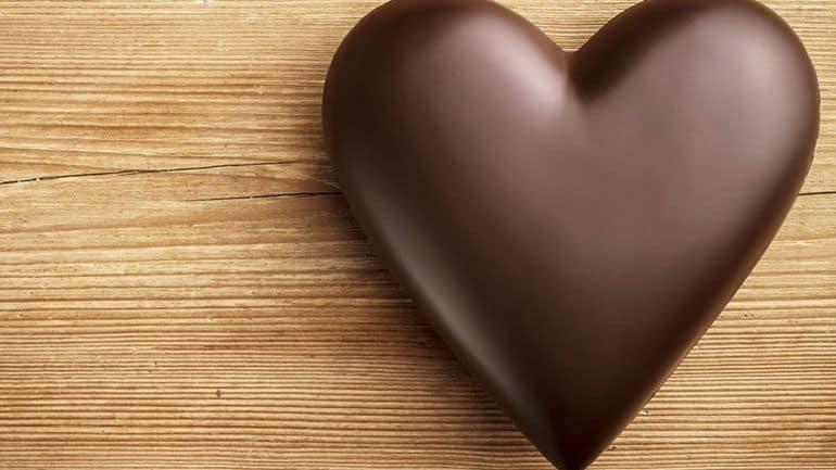 Η κατανάλωση με μέτρο, ιδίως της μαύρης σοκολάτας, μπορεί να αποτελεί μια υγιεινή επιλογή