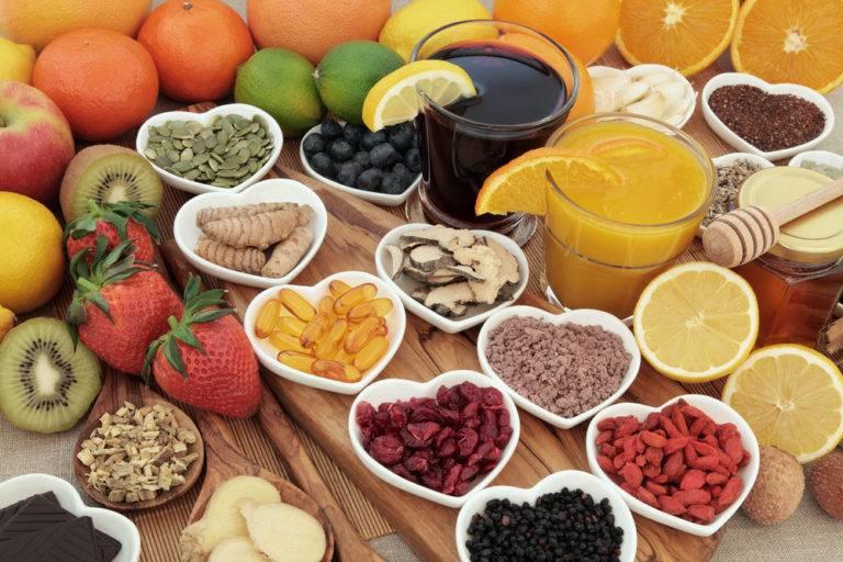Είναι πλέον αναγκαίο εκτός από σωστή διατροφή να λαμβάνουμε συμπληρώματα διατροφής.