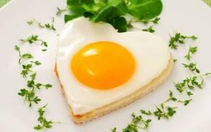 Αυξημένη πρόσληψη τροφών πλούσιων σε θείο (αβγό, κρεμμύδι, ψάρι, φασόλια)