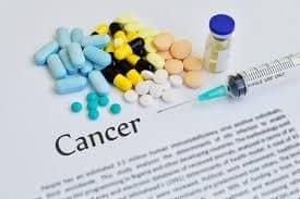 Ορισμένες ιστοσελίδες αφιερωμένες στον καρκίνο, οργανώνουν και ανταλλαγές περουκών.