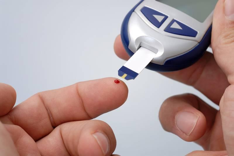 Η μικροαγγειοπάθεια του διαβήτη προκαλεί νεφρική ανεπάρκεια και στη συνέχεια αναιμία.