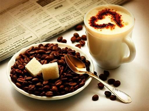 Θα πρέπει να καταναλώνετε καφέ μόνο μετά από μία ώρα αφότου ξυπνήσετε το πρωί και οπωσδήποτε αφότου έχετε φάει κάτι.