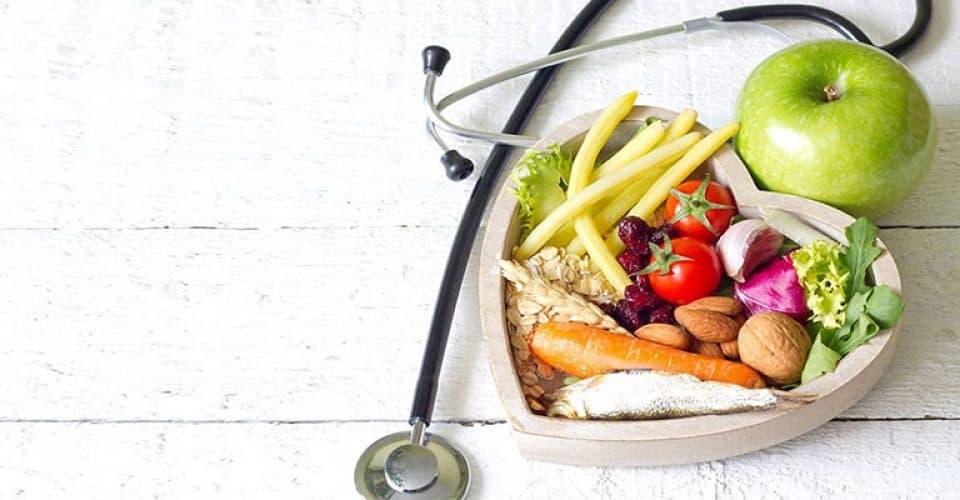 Είναι γεγονός ότι με σωστή διατροφή μπορούμε να αποφύγουμε πολλά προβλήματα υγείας, ειδικά αν είμαστε σε κάποια ομάδα υψηλού κινδύνου.