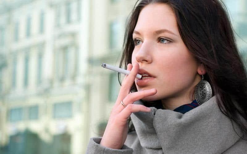 Θάνατοι λόγω Καπνίσματος
