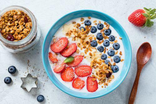 H συνολική κατανάλωση θερμίδων είναι μεγαλύτερη σε όσους τρώνε πρωινό.