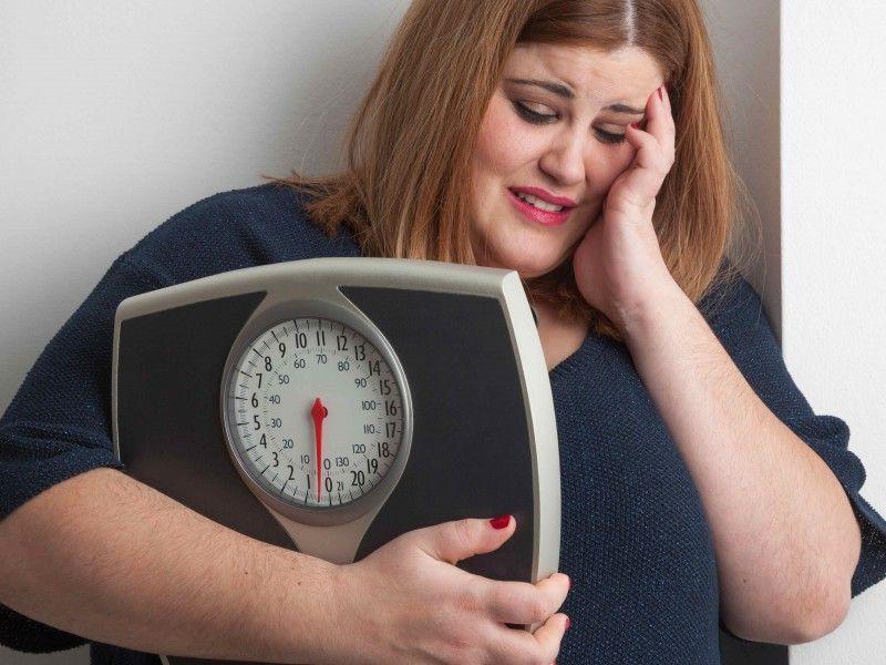 Tα παραπάνω κιλά αυξάνουν τον κίνδυνο κατάθλιψης.