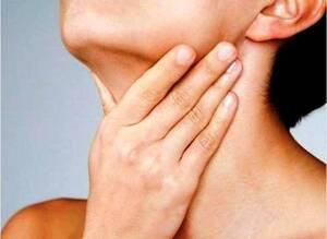 Οι φαρυγγίτιδες, οι αμυγδαλίτιδες και οι λαρυγγίτιδες μπορεί να εμφανιστούν με διαφορετικής έντασης συμπτώματα.