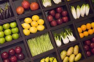 Η σωστή αντιμετώπιση εδώ δεν στηρίζεται σε μια διατροφή χωρίς λιπαρά, αλλά σε μια διόρθωση των διατροφικών λαθών, κυρίως με την κατάλληλη κατανομή των λιπιδίων.