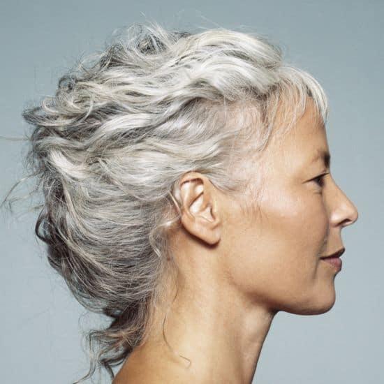 Οι Αλλαγές στα Μαλλιά σας Ανάλογα με την Ηλικία σας