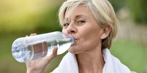 Εμμηνόπαυση: Φροντίστε τη διατροφή σας