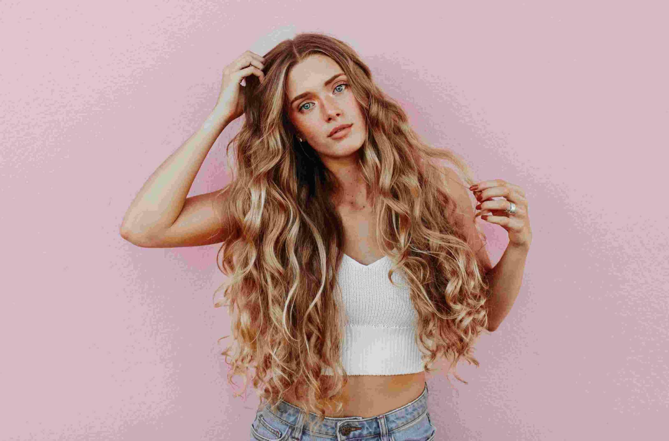 Τα μαλλιά, όπως και το υπόλοιπο σώμα μας, χρειάζονται φροντίδα προκειμένου να παραμείνουν λαμπερά και υγιή.