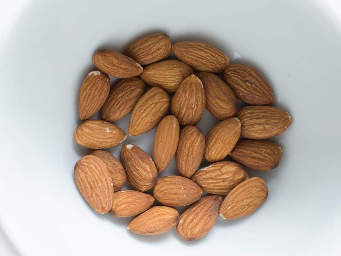 Τα 20 αμύγδαλα δίνουν περίπου 70 mg ασβεστίου.