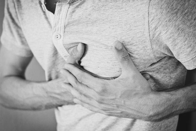 H υπέρταση αυξάνει τον κίνδυνο για σοβαρές παθήσεις όπως το έμφραγμα, το εγκεφαλικό επεισόδιο, η νεφροπάθεια, η οφθαλμοπάθεια και η νοητική κατάπτωση.