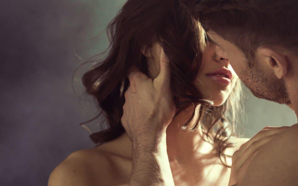 Στατιστικά, μεταξύ των 2 και 3 χρόνων μιας σχέσης, τα περισσότερα ζευγάρια συνειδητοποιούν ότι η αυθόρμητη επιθυμία τους για σεξ μειώνεται.