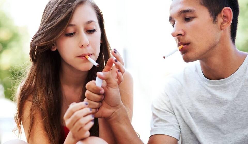 Εφηβεία και Κάπνισμα
