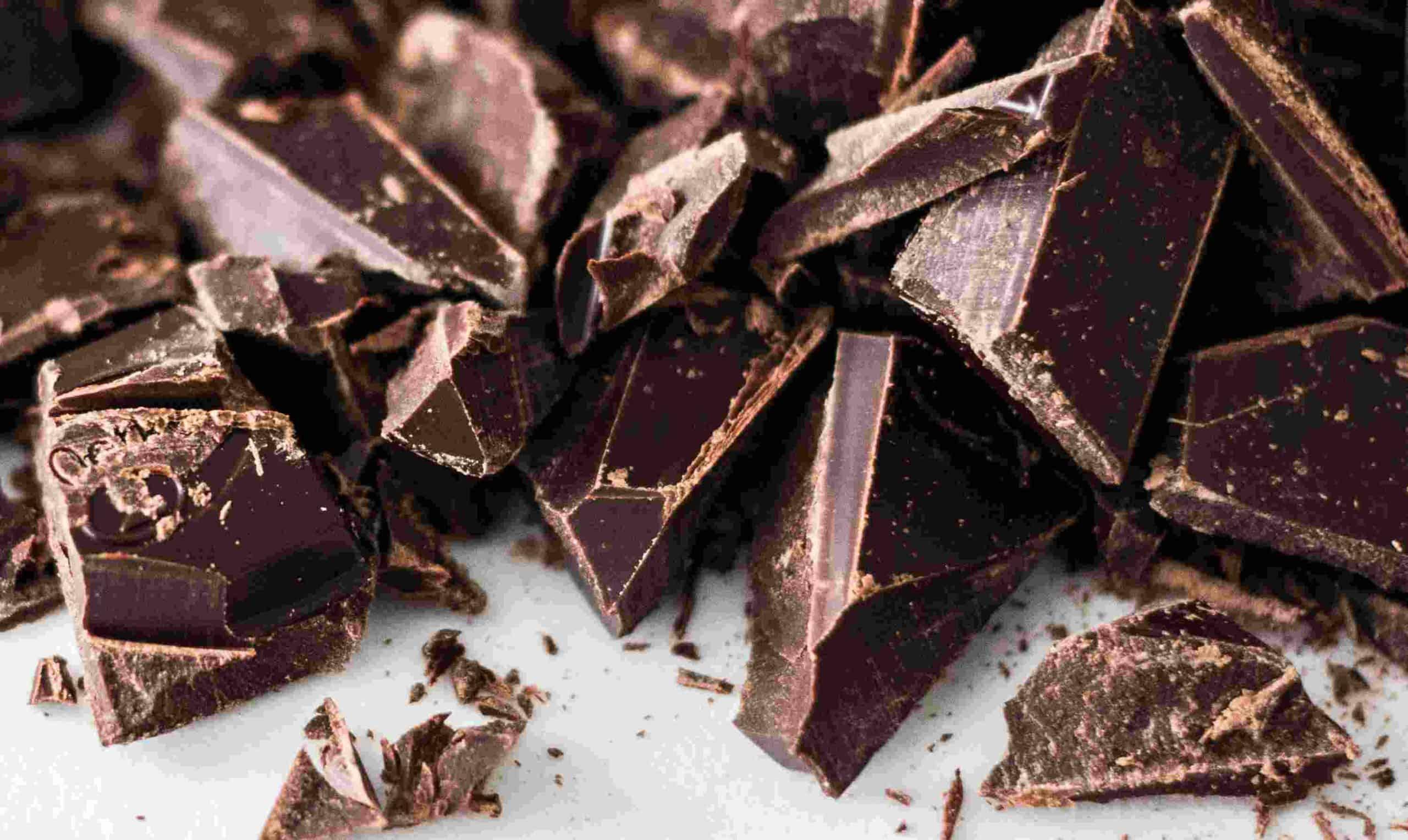 Ένας άλλος μύθος είναι ότι η σοκολάτα προκαλεί τερηδόνα.