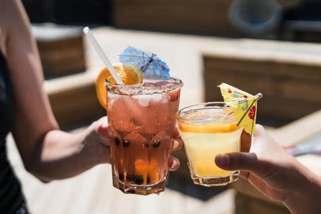 Ο περιορισμός της πρόσληψης αλκοόλ είναι πολύ βασική μεταβολή στην προσπάθεια μείωσης της αρτηριακής πίεσης.