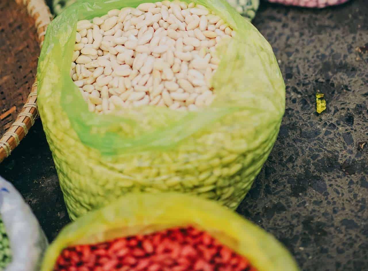 Κατά μέσο όρο, τα φασόλια, οι φακές και τα ρεβίθια δίνουν 8 γραμμάρια πρωτεϊνών ανά μισό φλιτζάνι (μαγειρεμένα).