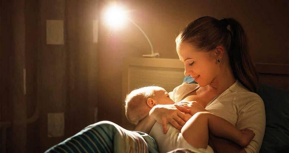 Η μητέρα που θηλάζει, προσφέρει στο μωρό της ένα δυνατό ξεκίνημα για μια υγιή ζωή!