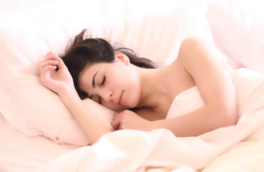 Με τον ύπνο τα κύτταρα αναζωογονούνται και αναπλάθονται ενώ το σώμα θεραπεύεται και μπορεί έτσι να αντιστέκεται στις αρρώστιες.