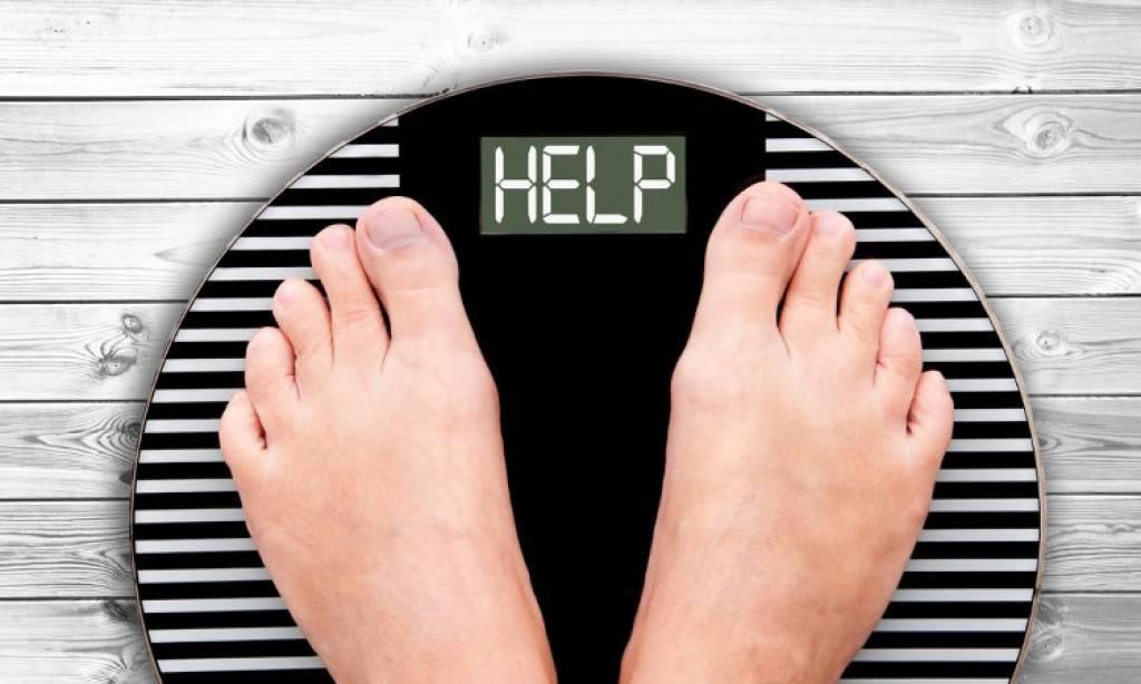Διαταράσσοντας τις φυσιολογικές μεταβολικές και μηχανικές λειτουργίες του οργανισμού, η παχυσαρκία προάγει ή επιδεινώνει διάφορες άλλες παθήσεις.
