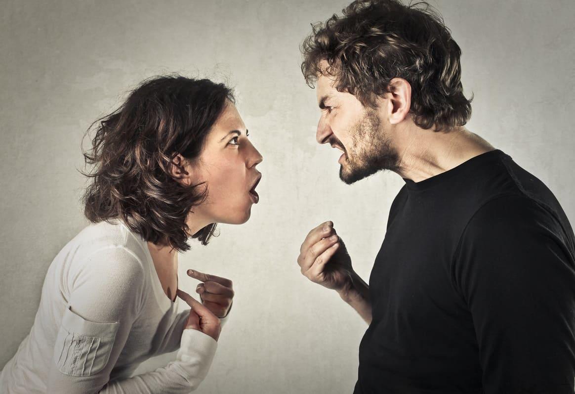 Σε περίπτωση όμως διαφωνίας ή σοβαρών ζητημάτων, το ζευγάρι θα πρέπει να μιλήσει ήρεμα, προκειμένου να βρεθεί μια ενδιάμεση λύση.