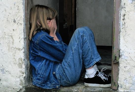 Η κατάθλιψη είναι μία πάθηση που μπορεί να «χτυπήσει την πόρτα» καθενός.