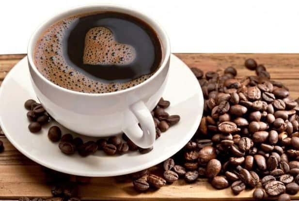 Ένα ρόφημα που καταναλώνεται ευρέως, ο καφές, μπορεί να προστατεύει την υγεία της καρδιάς μας.