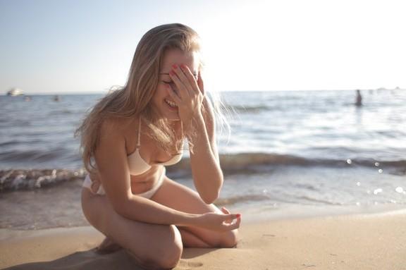 Τα ξανθά μαλλιά είναι πιο ευαίσθητα τους καλοκαιρινούς μήνες του χρόνου και χρήζουν ιδιαίτερης φροντίδας.