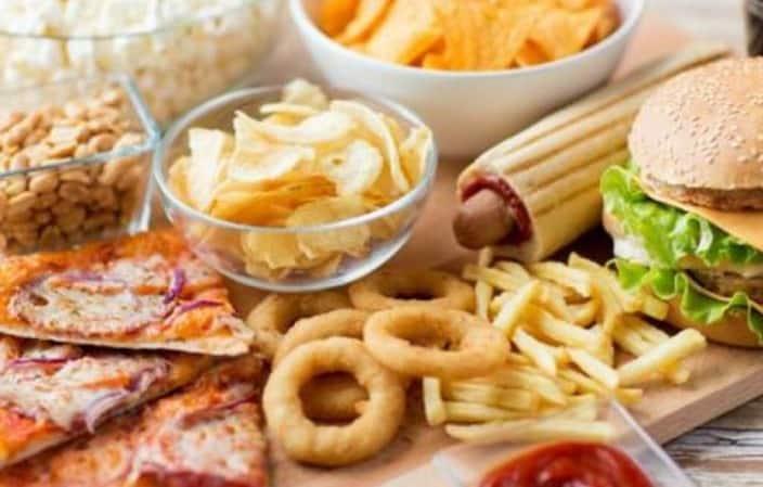 Αποφύγετε να καταναλώνετε πολλάζωικά λίπηόπως κόκκινο κρέας και πολλά γαλακτοκομικά την ημέρα