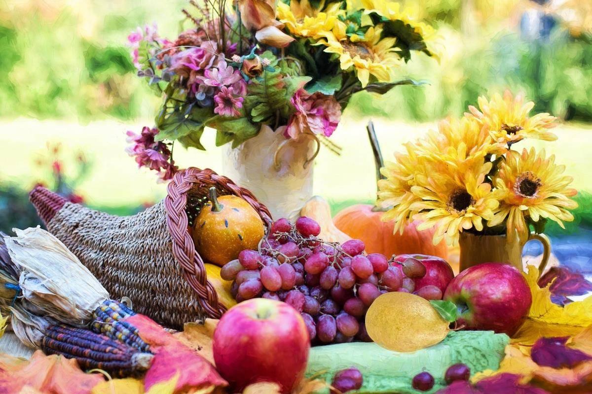Τα φρούτα εποχής, όπως το καρπούζι και τα ροδάκινα, θα ενυδατώσουν επίσης τον οργανισμό σας.