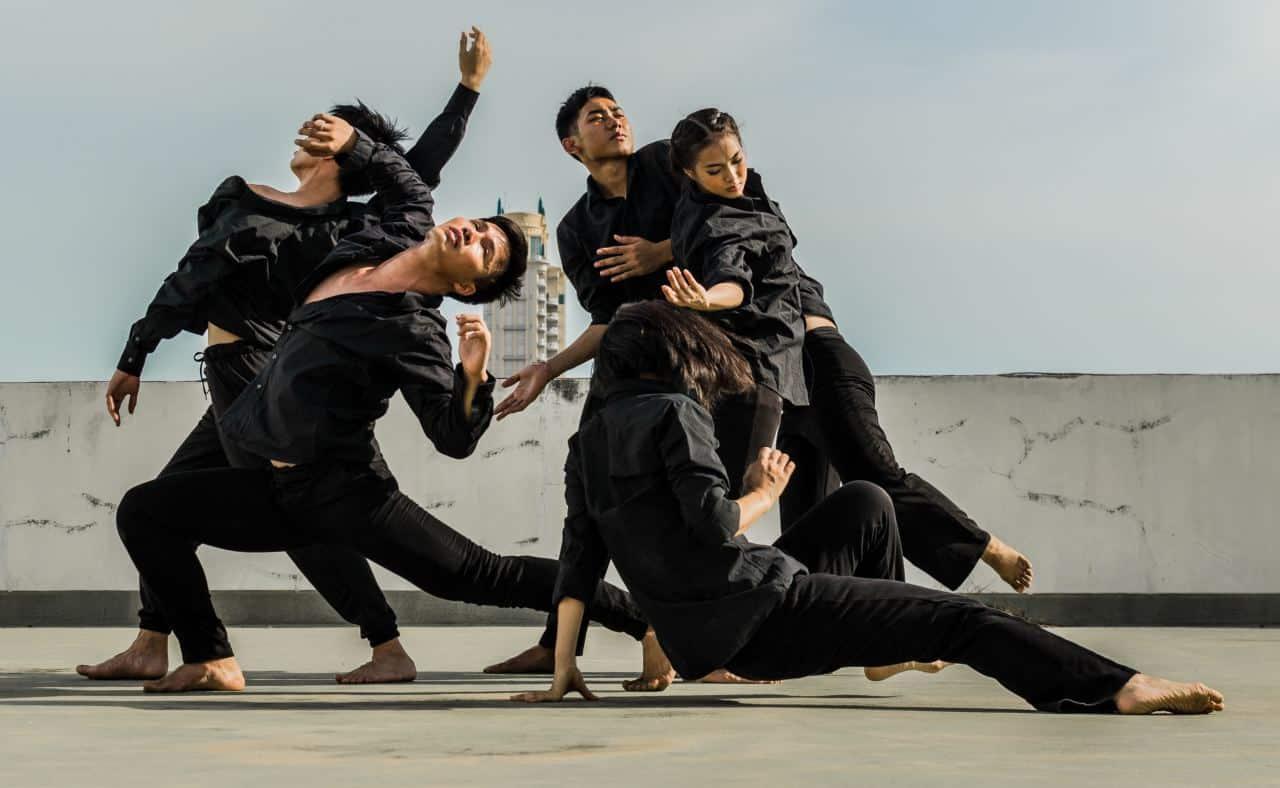 Ο χορός από μικρή ηλικία χαρίζει αρμονία και συντονισμό στις κινήσεις ενώ αποτελεί το καλύτερο αντίδοτο κατά του στρες.