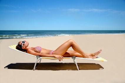Η έκθεση στον ήλιο είναι απαραίτητη για τη δημιουργία βιταμίνης D, η έλλειψη της οποίας προκαλεί στην καρδιά τις ίδιες επιπτώσεις με την υψηλή χοληστερίνη, και συνδέεται με την υπέρταση.