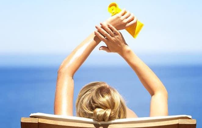 Η αντηλιακή προστασία αποτελεί βασική μας προτεραιότητα στην καθημερινή ρουτίνα ομορφιάς.