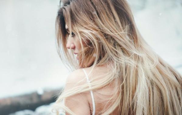 Τα μαλλιά μας είναι ένας ζωντανός οργανισμός που δεν μένει ανεπηρέαστος από τις συνθήκες και της συνήθειες της ζωής μας.
