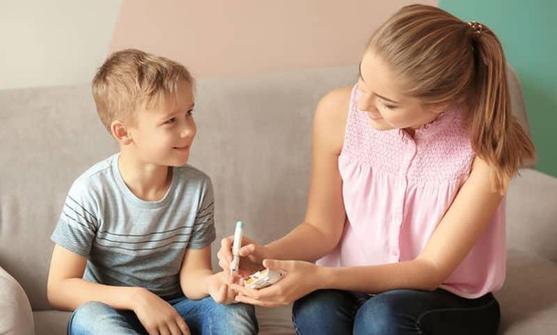 Ο διαβήτης μπορεί να καταστήσει το παιδί πιο επιρρεπές σε προβλήματα δέρματος, όπως βακτηριακές ή μυκητιασικές λοιμώξεις και κνησμού.